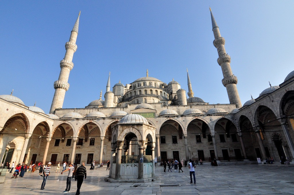 how to get to hagia sophia, blue mosque from taksim by public transport tram