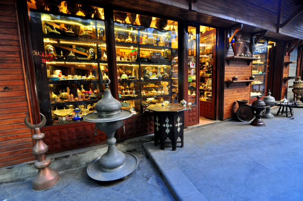 istanbul Grand Bazaar Shopping Tips - Antique Goods of Bazaar