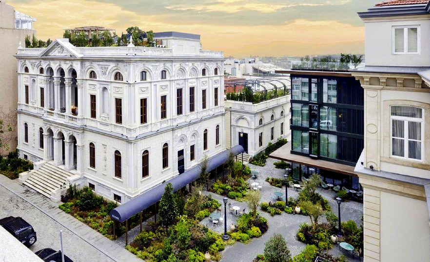 Soho house hotel istanbul review istanbul clues for Taksim pera orient hotel