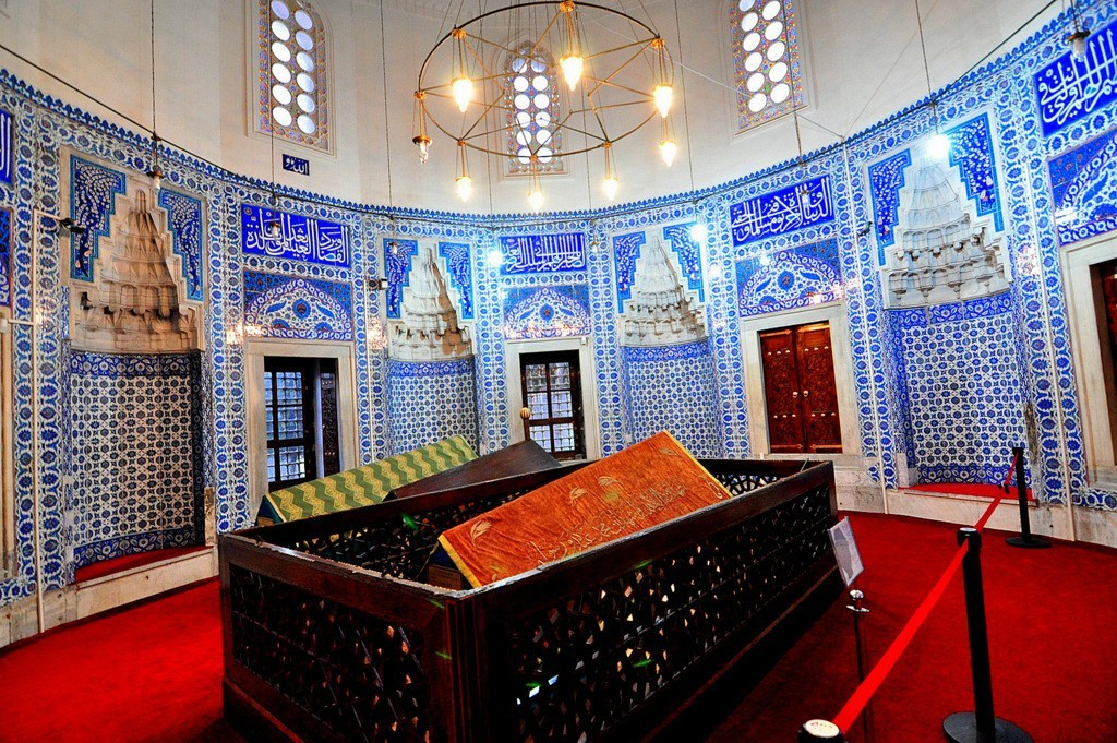 Antique Iznik Tiles Facts, Turkish Iznik Pottery History Hurrem Tomb