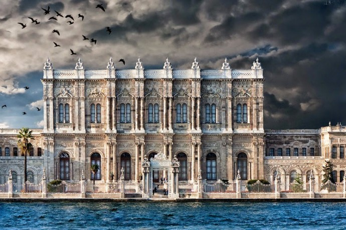 Dolmabahce palace entrance fee opening hours 2018 for Architecture orientale