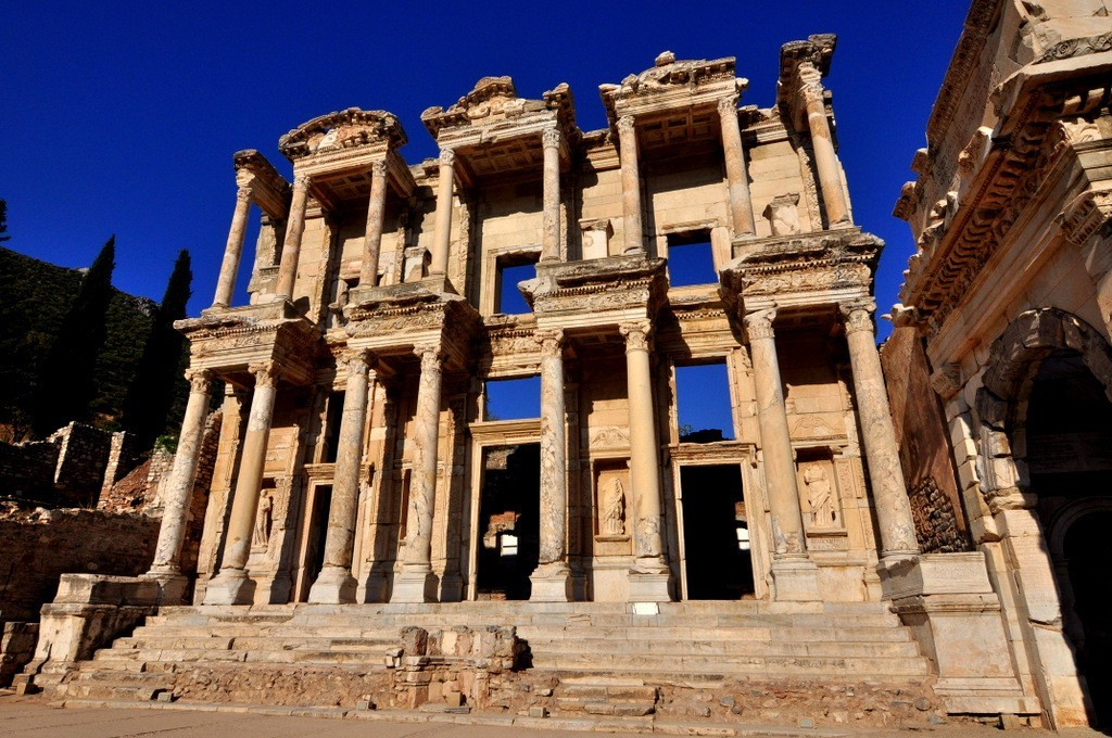 Ephesus Private Guided Tours Library of Celsus Ephesus Roman Ruins