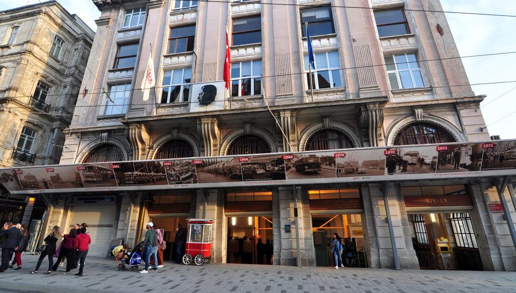 istanbul istiklal street beyoglu walking route