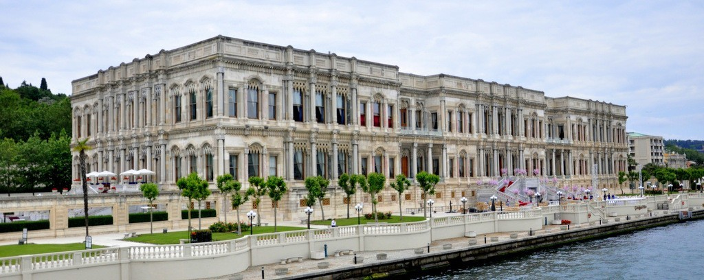 Museums to visit Istanbul - Ottoman Palaces by Bosphorus Ciragan