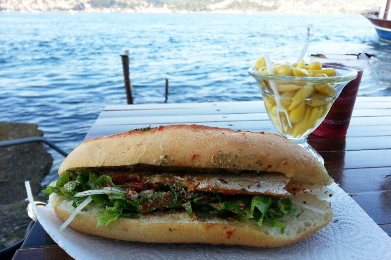 Where to eat fish sandwich in Istanbul? Fish-Bread