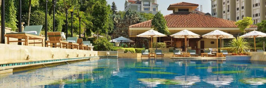 luxury istanbul hotels with swimming pool