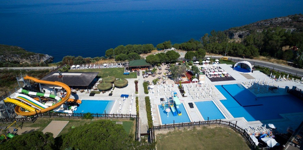 best beach resorts in kusadasi