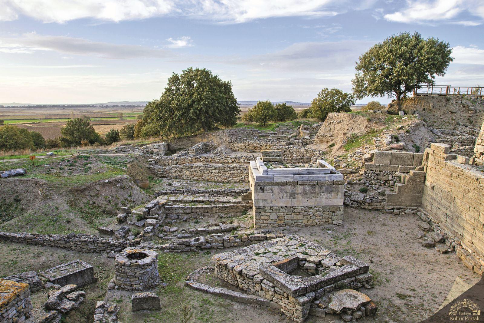 Slikovni rezultat za Archaeological Site of Troy